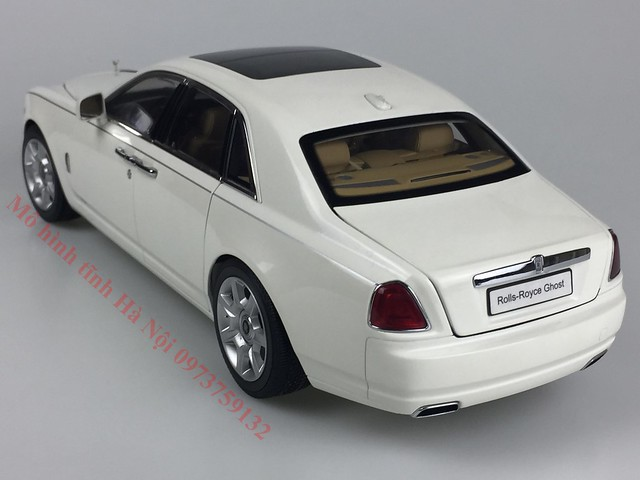 Mo hinh o to Rolls Royce Ghost 1 18 Kyosho (7)