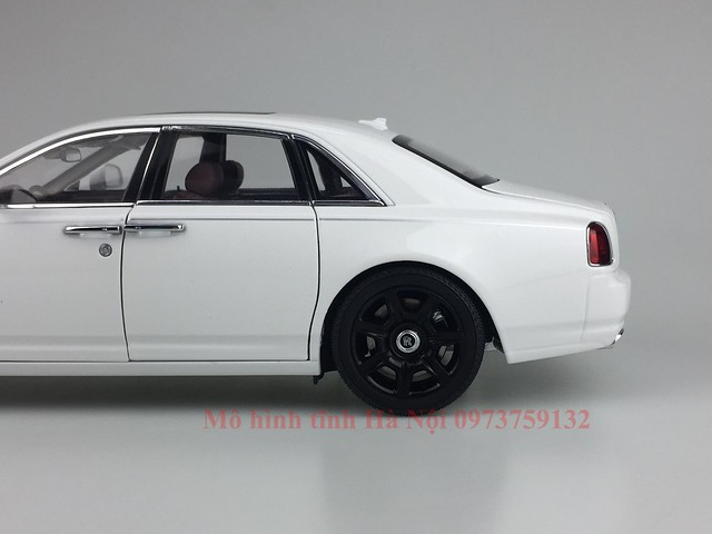 Mo hinh o to Rolls Royce Ghost 1 18 Kyosho (49)