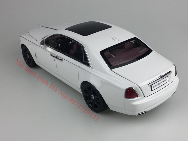 Mo hinh o to Rolls Royce Ghost 1 18 Kyosho (50)
