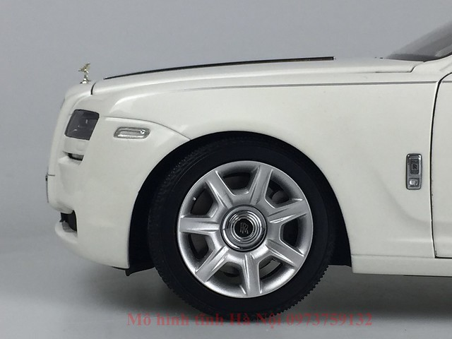 Mo hinh o to Rolls Royce Ghost 1 18 Kyosho (5)