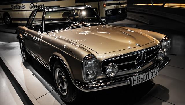 Mercedes-Museum Stuttgart-076