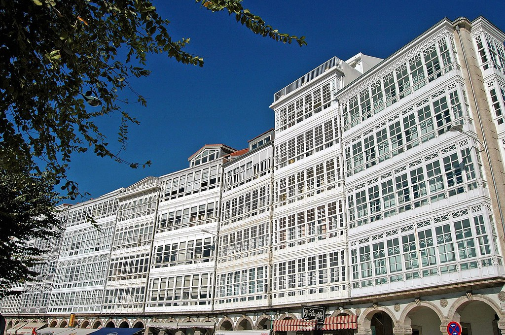 Galerias En Avenida De La Marina A Coruña A Coruña C Flickr