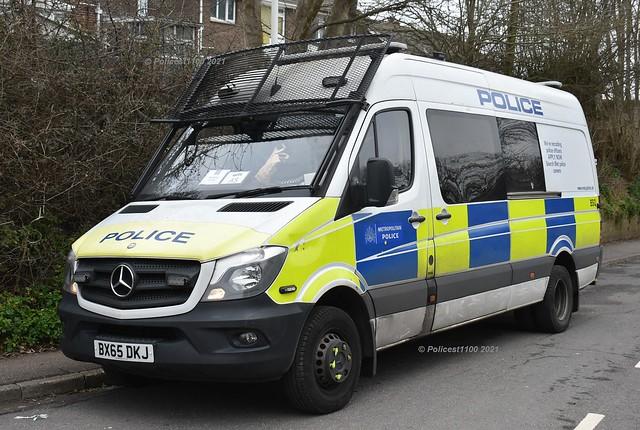 Metropolitan Police MB Sprinter Van BX65 DXJ