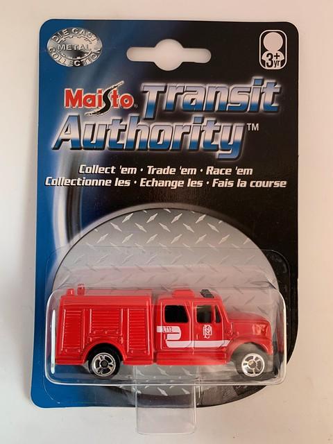 Maisto - Transit Authority - Fire Apparatus- Equipment Truck - Phoenix Fire Department - Miniature Diecast Metal Scale Model Emergency Services Vehicle