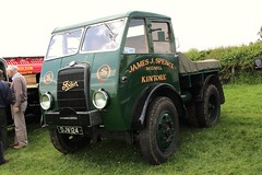robertknight16 posted a photo:	Foden STG5 Timber Tractor (1941) Powered by a Gardner DieselRegistration Number DJW 124 (Wolverhampton)Livery James J Spence, Midmill, Kintore (Aberdeenshire)FODEN SETwww.flickr.com/photos/45676495@N05/sets/72157623789275606...It would have been used both in the forestry for dragging logs and on the highway with a trailerDiolch am 58,889,756 gwych, golygfeydd, mwy na phoblogaeth y Lloegr honno yn y GorllewinShot 21.05.2017 at Chiltern Hills Classic Sar Show, Weedon Hill, Aylesbury  REF 126-092