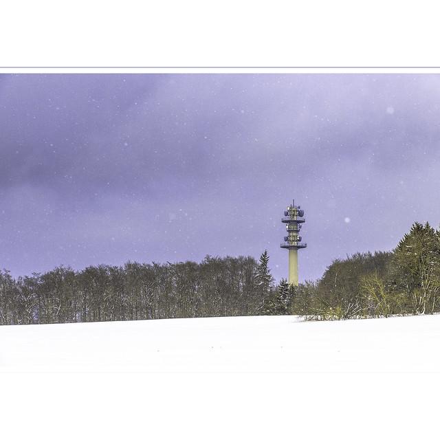Im Schnee zu wandern.