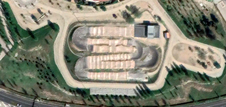 pista BMX Arganzuela, legazpi, madrid, esta no la financió Carmena, después, urbanismo, planeamiento, urbano, desastre, urbanístico, construcción, rotondas, carretera