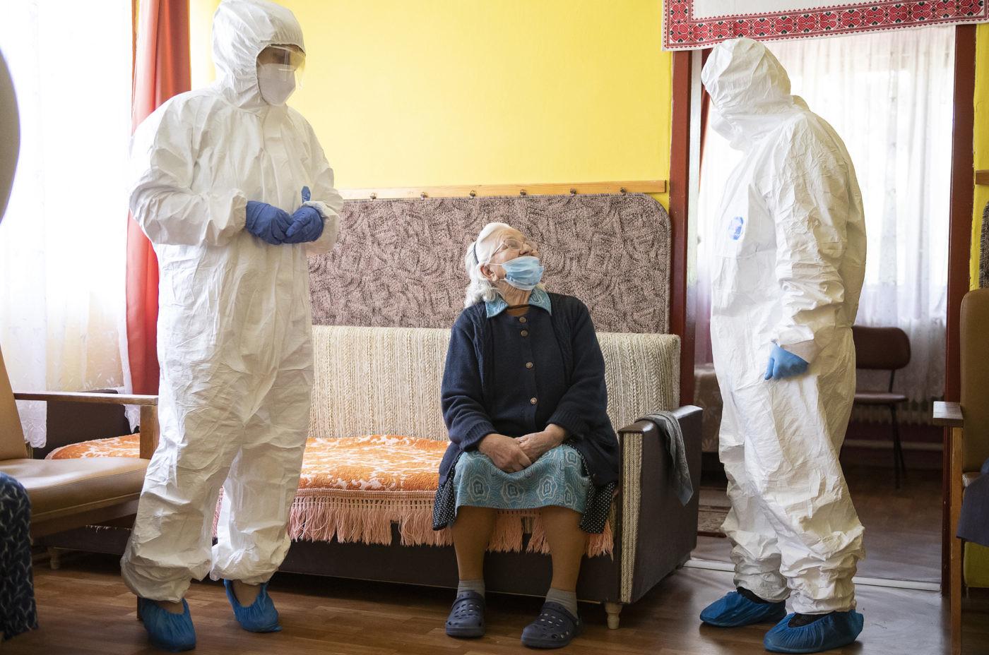 175 szociális gondozott halt bele a koronavírusba Csongrád-Csanád megyében eddig