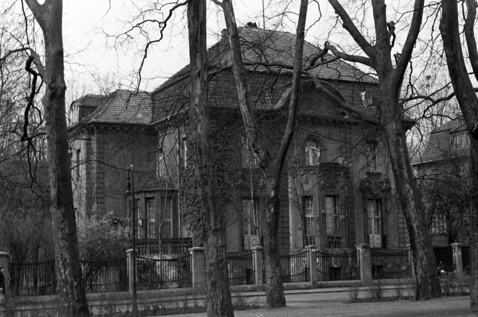 14. 1957. Восточный Берлин. Пушкиналле, 48