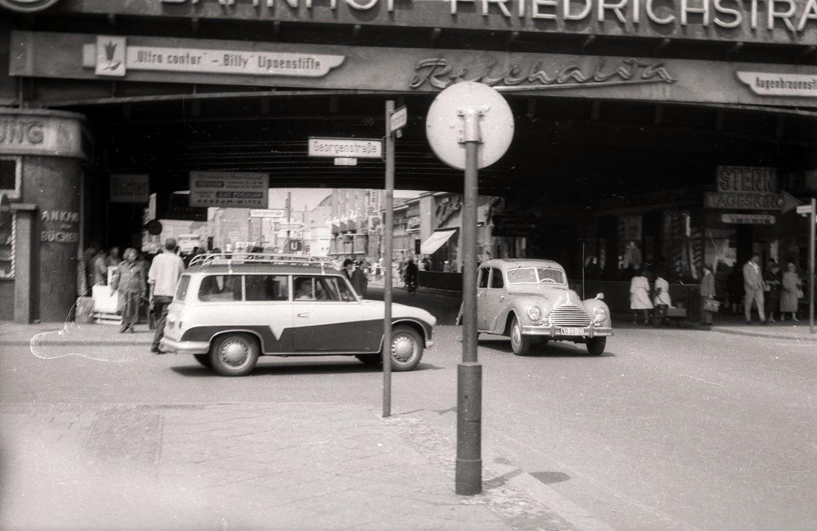 13. 1957. Восточный Берлин. Фридрихштрассе, налево на Георгенштрассе
