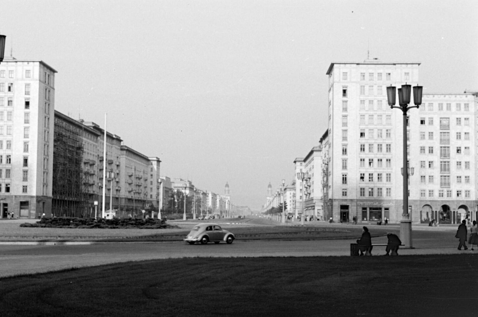 11. 1957. Восточный Берлин. Сталин-аллее, вид со Штраусбергер-Платц