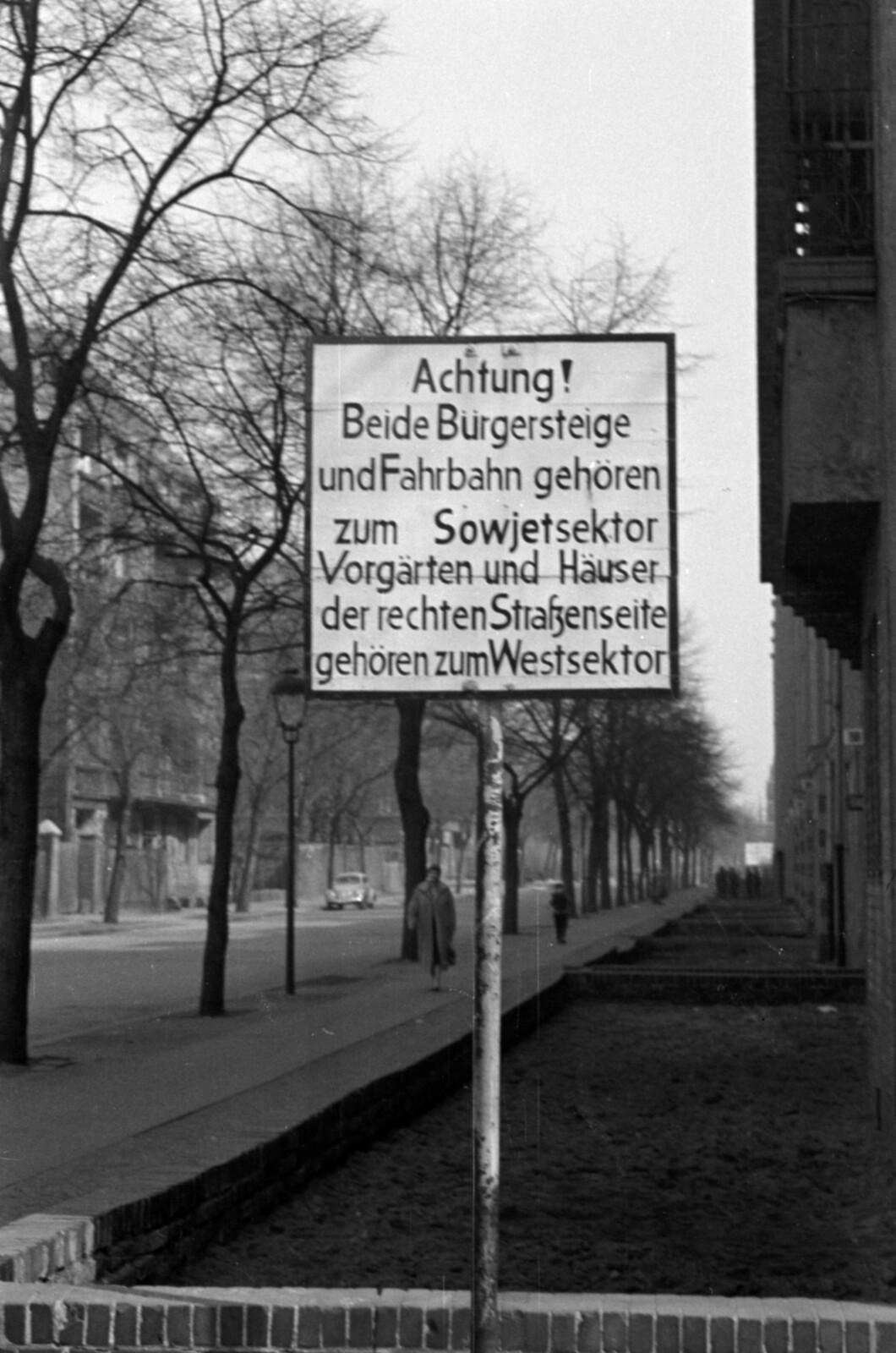 10. 1957. Западный Берлин, Восточный Берлин, Харцерштрассе, напротив Бушештрассе, напротив Хайдельбергерштрассе.