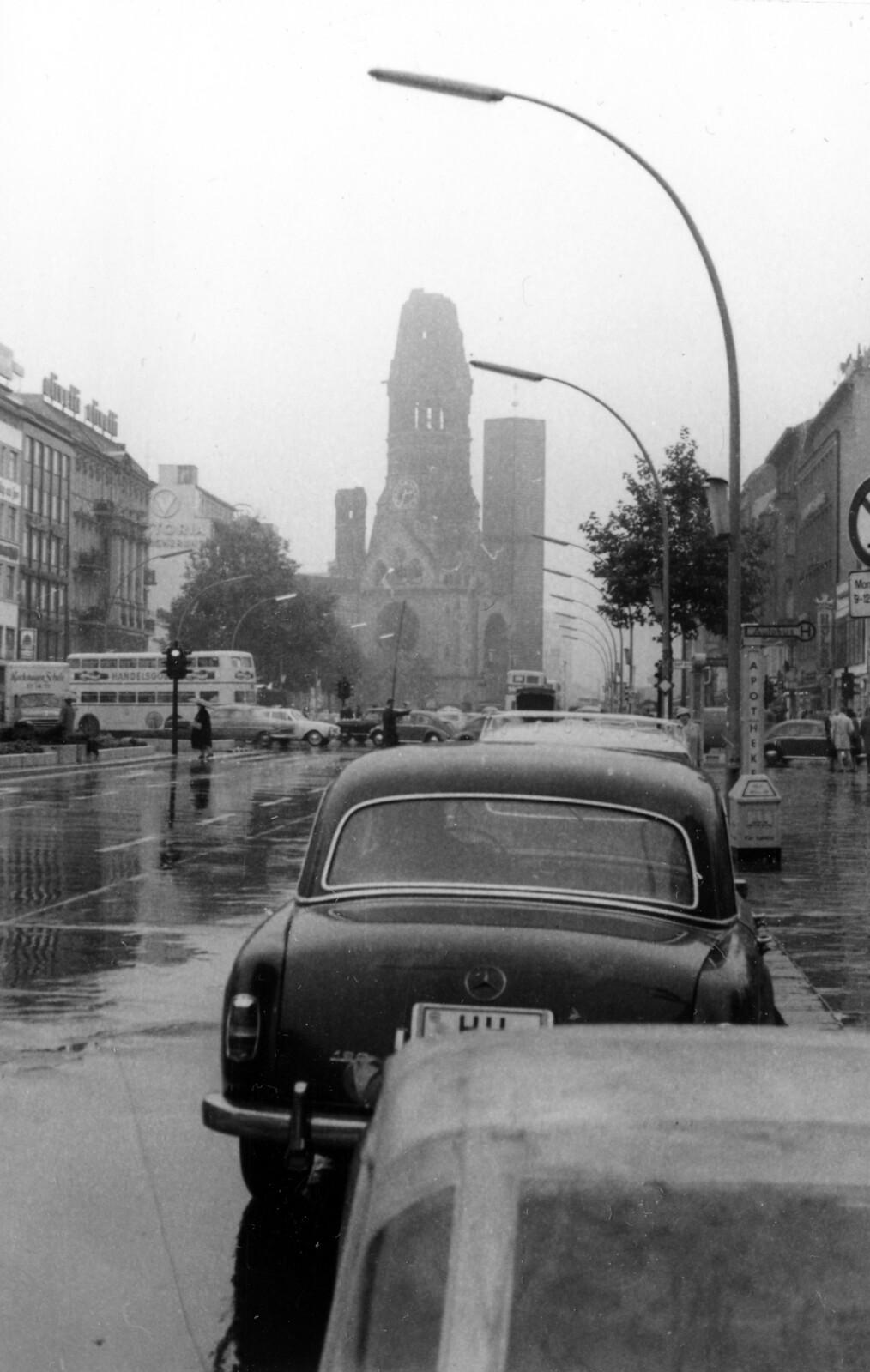 04. 1956. Западный Берлин. Курфюрстендамм, напротив Мемориальной церкви кайзера Вильгельма