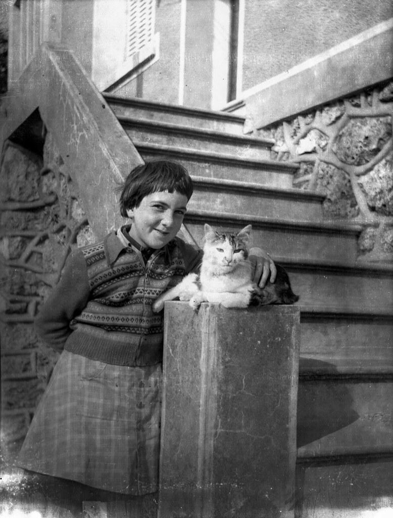 La nena del gat / Girl and cat