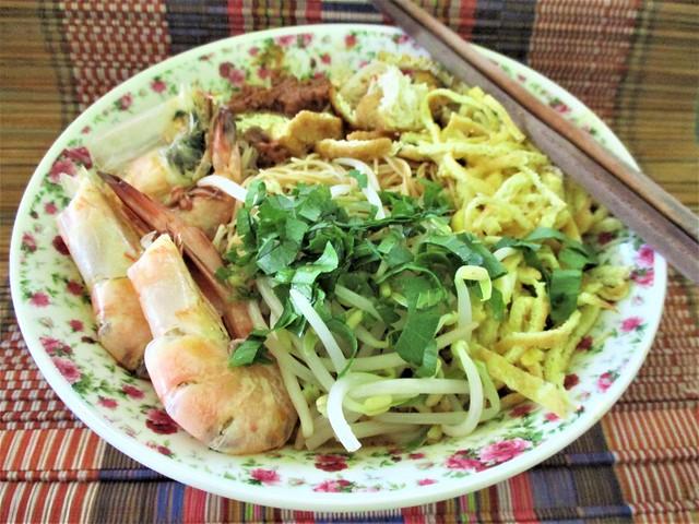 Our meat-free Sarawak laksa