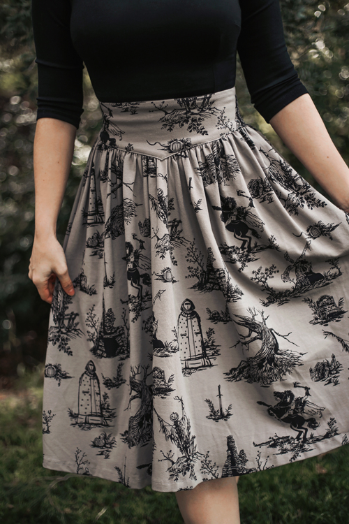 La Femme En Noir Sleepy Hollow Gothic Tales Toile Skirt in Grey
