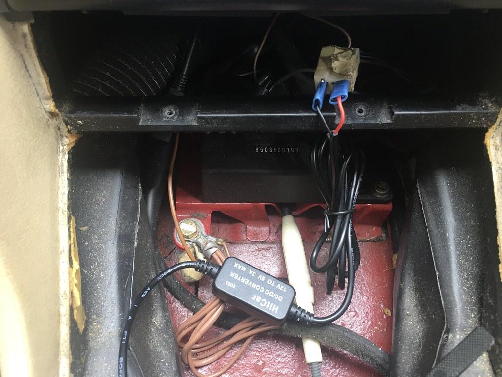 W126 Radio and USB sockets