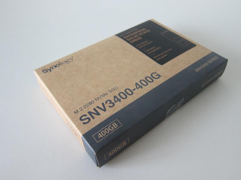 Synology SNV3400-400G - Box