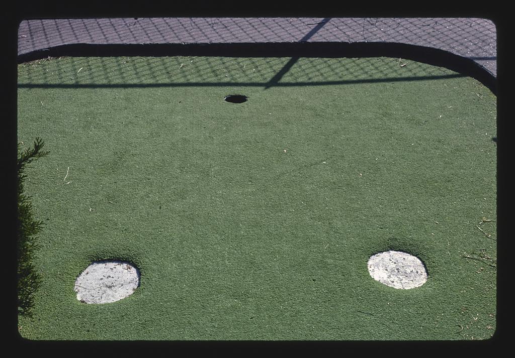 Round traps, Jackson Golf World, Route 51, Jackson, Mississippi (LOC)