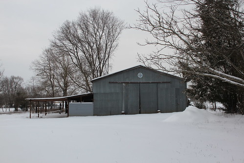 tx texas snow barn stable runinshed