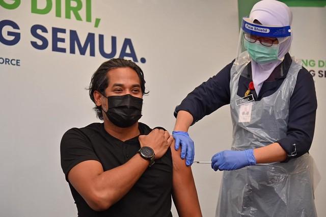 Perkongsian Kj Tentang 'Side Effect' Vaksin Dari China Selepas Disuntik Buat Netizen Terhibur