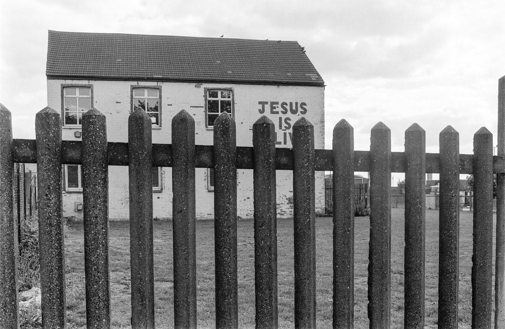 Jesus is Alive, Leyton Rd, Stratford, Newham, 1989 89-9b-43