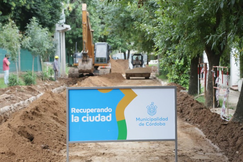 Inician las obras del nuevo aliviador cloacal en barrio Inaudi (3)