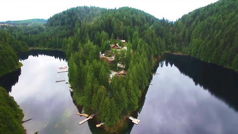 Pinestone Lake Lodge
