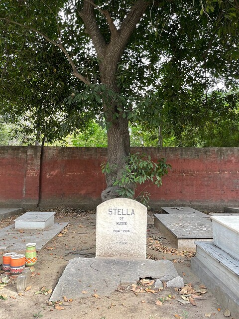 City Landmark - Stella's Grave, Christian Cemetery, Prithviraj Road9
