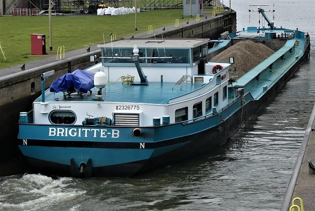 Brigitte-B-7-14-03-2021-sluis-Grave (2)