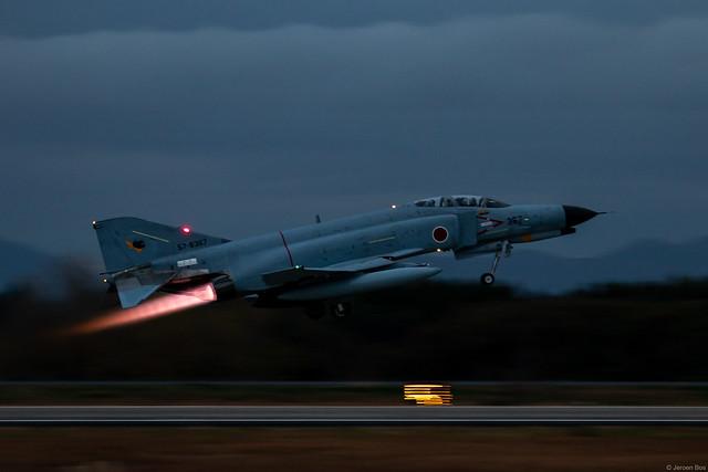 McDonnell Douglas (Mitsubishi) F-4EJ Kai Phantom II 57-8367 JASDF, 301 Hikotai, take-off at dusk, Hyakuri AB, Japan