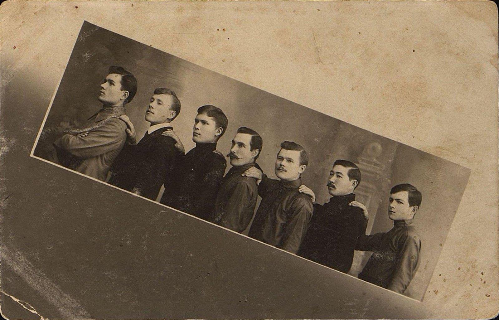 Наборщики типографии Чурина. 1912