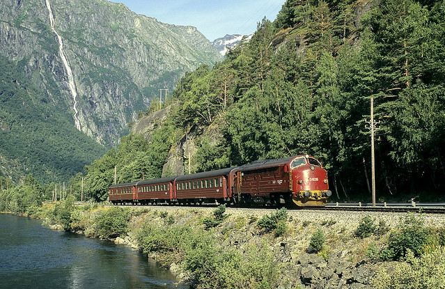 Di3 626 + Rt 352 Andalsnes - Dombas, Marstein, 07/08/1997