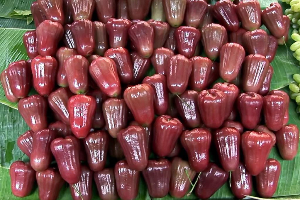 Thailand - Bangkok - Market - Rose Apple - 20