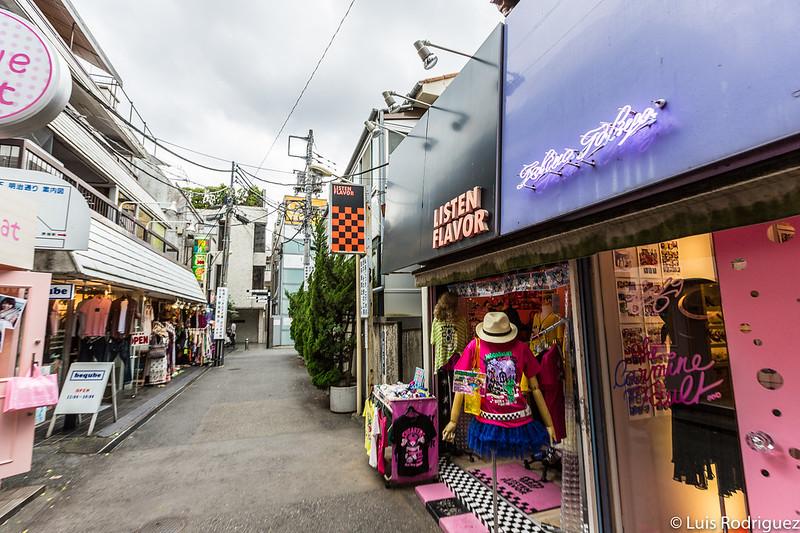 Callejuelas cercanas a Takeshita-dori