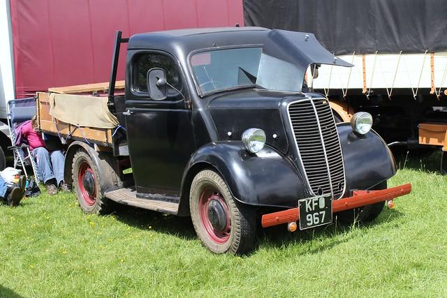 132 Ford (Fordson) E83W Pickup Truck (1947) KFO 967KFO