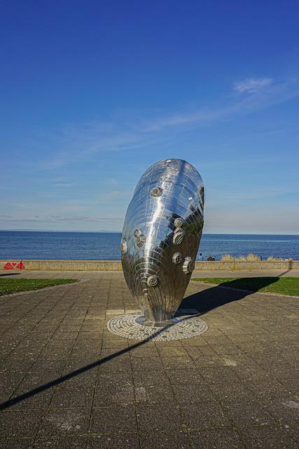 Giant mussel sculpture ( Musselburgh beach )
