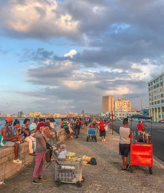 Bờ biển Malecon ở đất nước CuBa