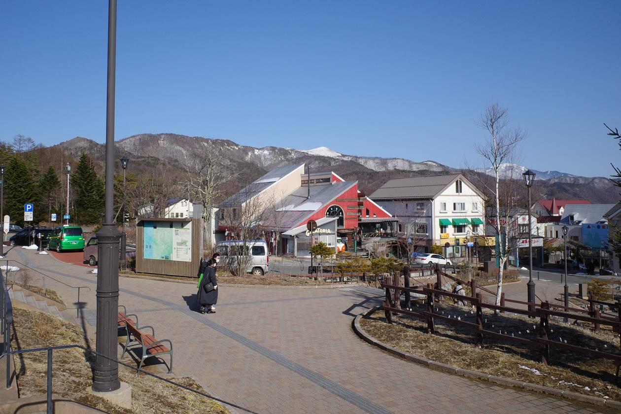 清里駅から眺める飯盛山