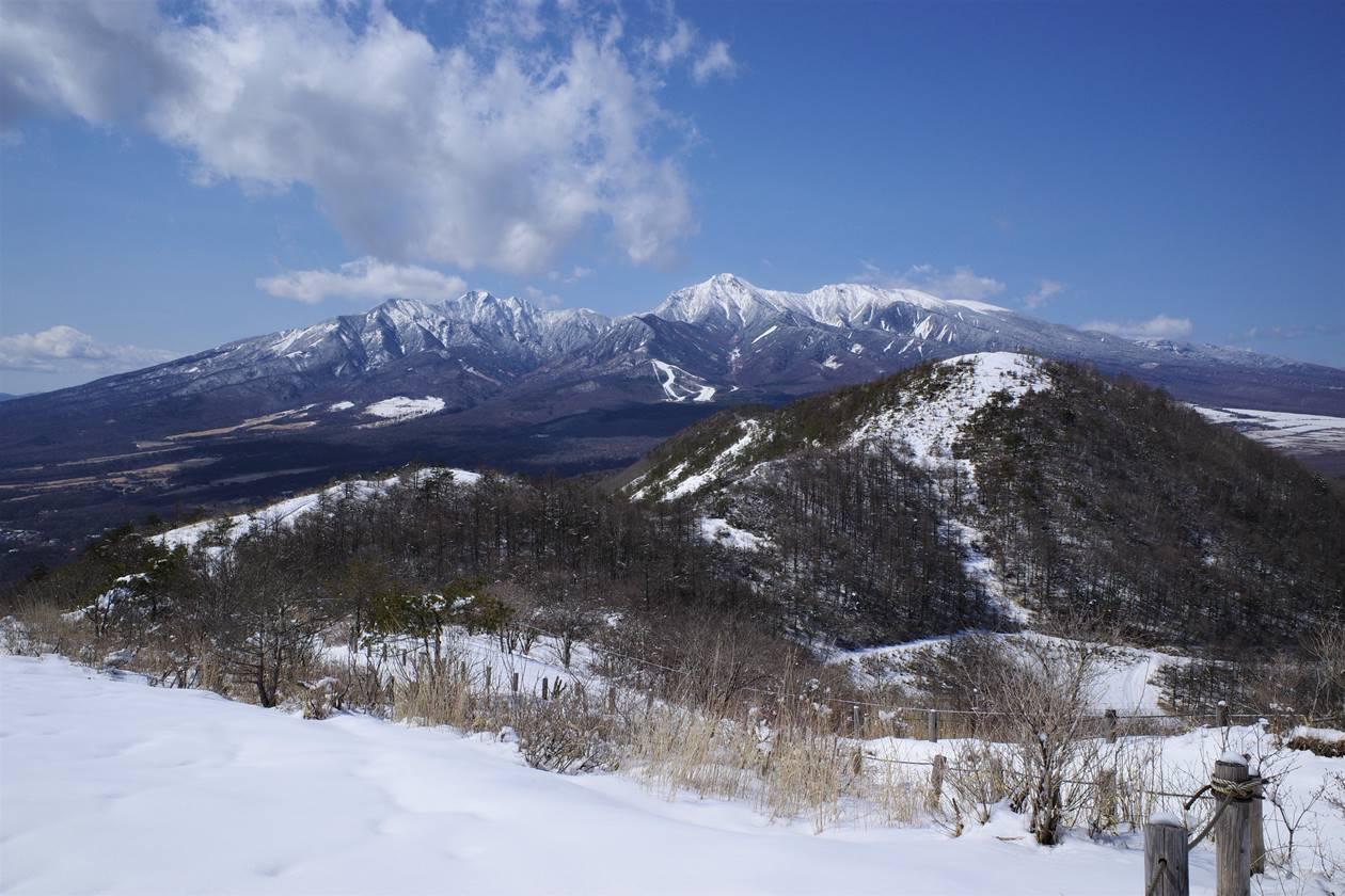 見晴台から眺める八ヶ岳と平沢山