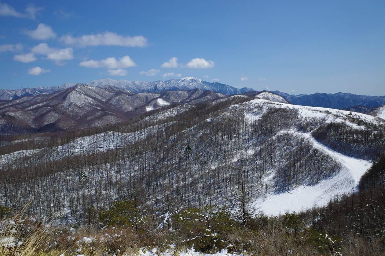 平沢山~飯盛山から眺める金峰山・瑞牆山