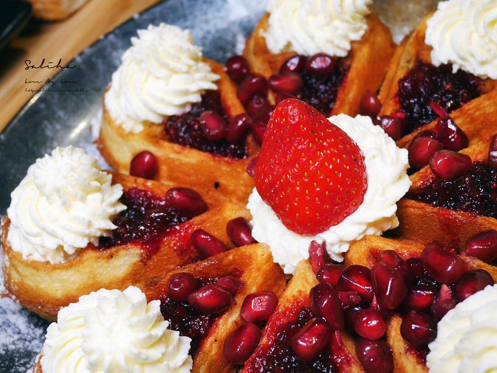台北好吃鬆餅甜點咖啡廳推薦RAYCA COFFEE草莓甜點台北IG甜點好吃早午餐 (2)