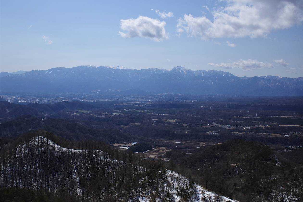 飯盛山から眺める南アルプス