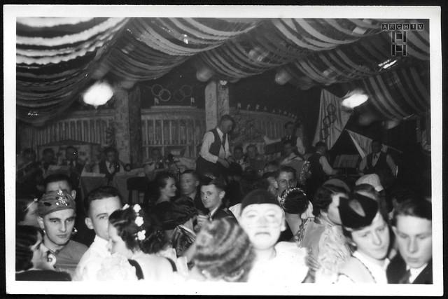 ArchivTappen23AAl2g147  Faschingstreiben, 1937