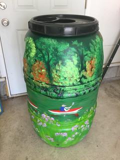 Lelsee Squirrell Rainbarrel