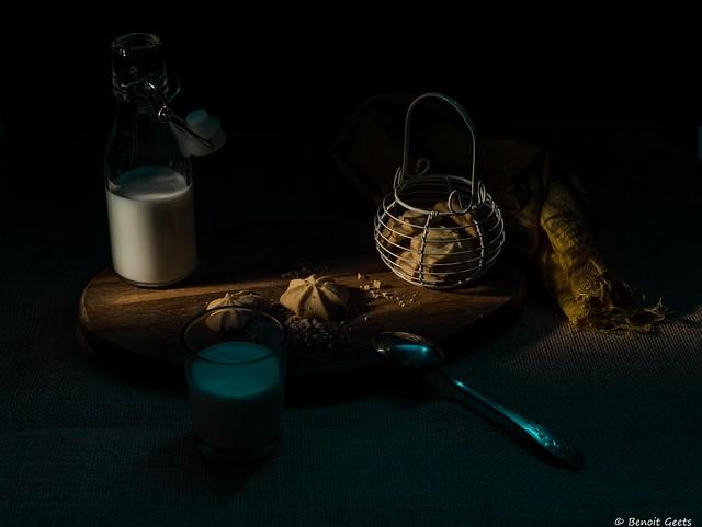 Early morning snack  /  Goûter matinal et enfantin