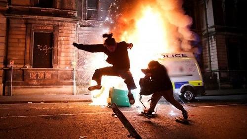 Riot - skater