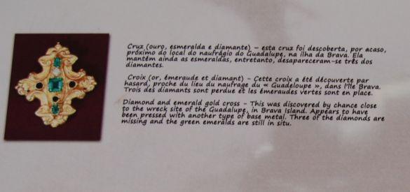 DSC_0158CaboVerdeSantiagoPraiaArcheologicalMuseumVitrineEspecialOuro
