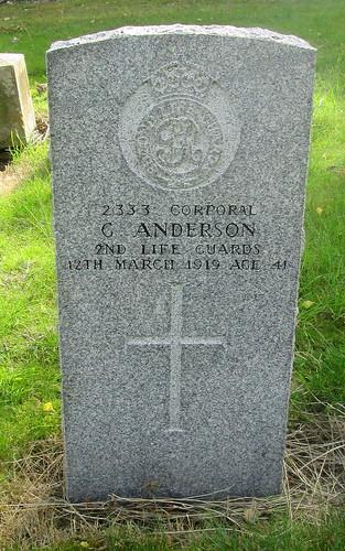 Errol, War Grave