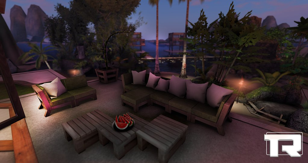 Isla Valor Outdoor Lounge